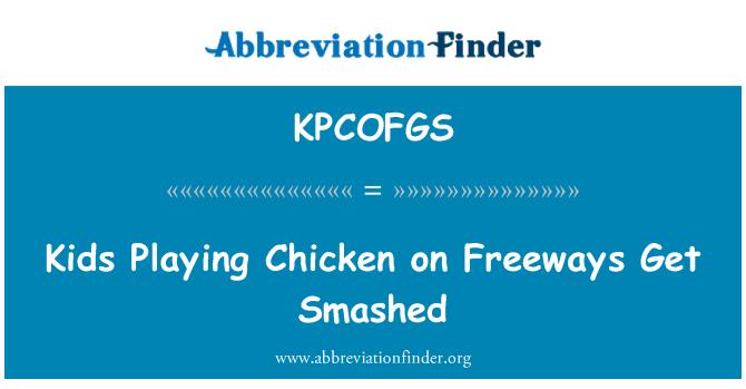 KPCOFGS: Niños jugando pollo en autopistas a estrellados