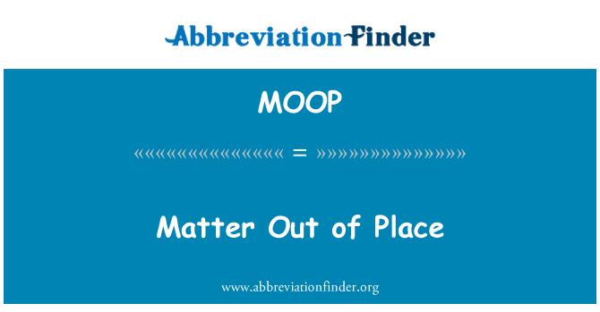 MOOP: Importa fuera de lugar